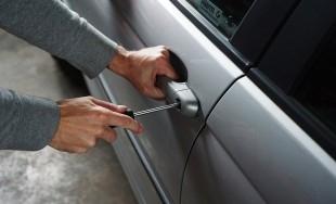 ROZHOVOR: Ako sa dá účinne zabezpečiť auto proti krádeži?