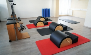 V žilinskom Pilates studiu pomáhajú ľuďom odstrániť bolesti chrbtice či problémy sedavých zamestnaní