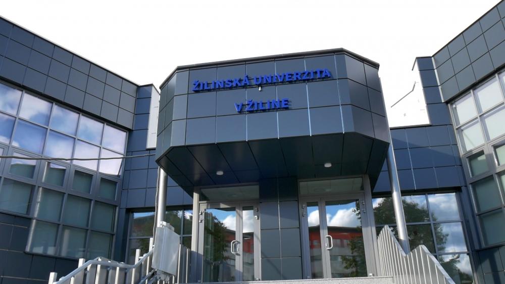 a72e4e4fc Zrekonštruovaná budova AR Žilinskej univerzita v Žiline. Zdroj: UNIZA