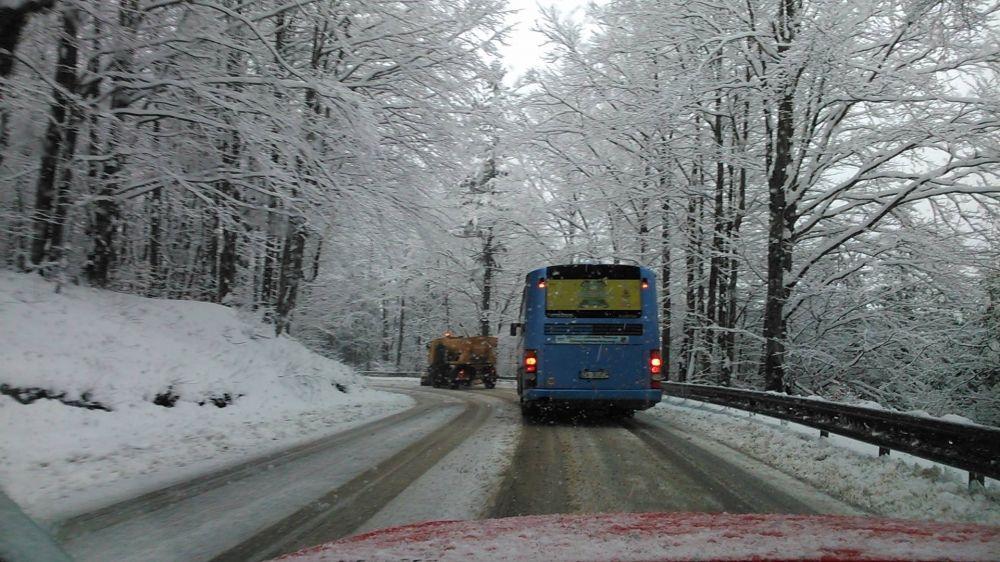 Snehové jazyky a záveje 3.apríla 2015 - cesta popod Strečno, foto 4