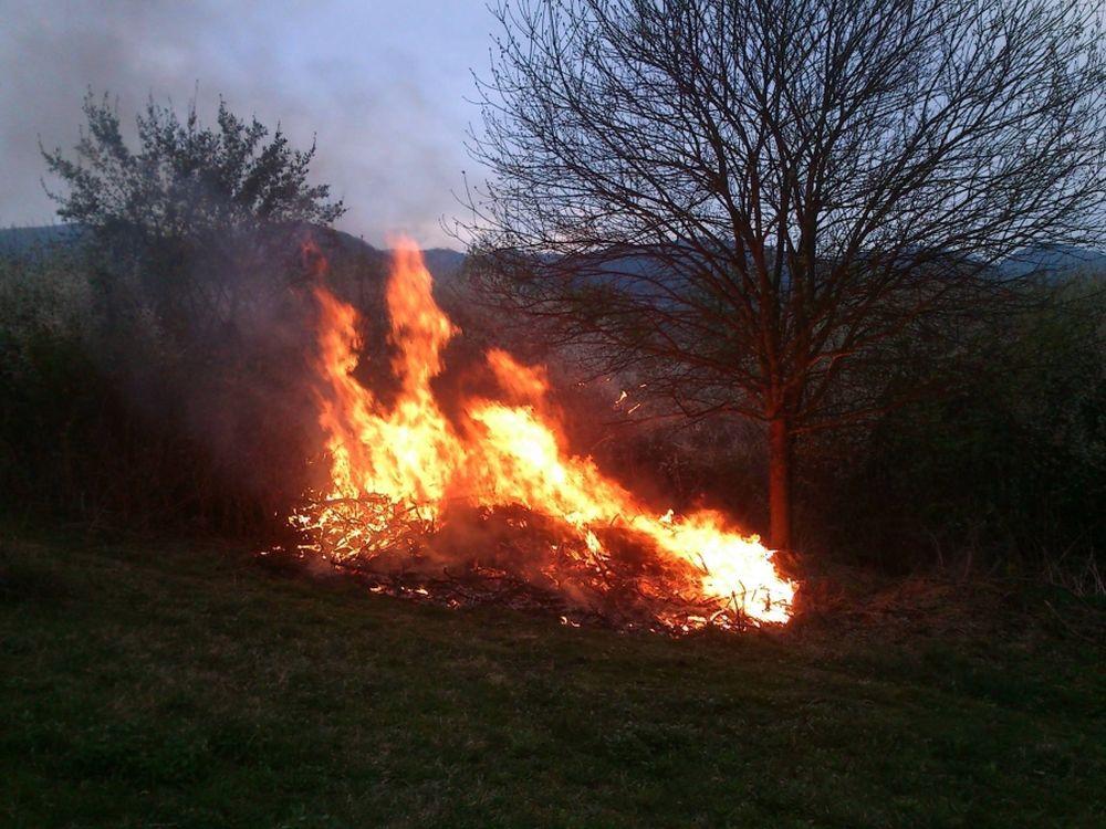 Požiare v Trnovom, úraduje podpaľač, foto 1