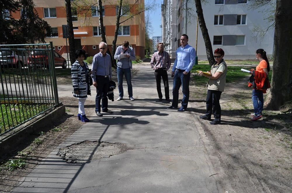 Oprava chodníkov na Hlinách a Vlčincoch, foto 3