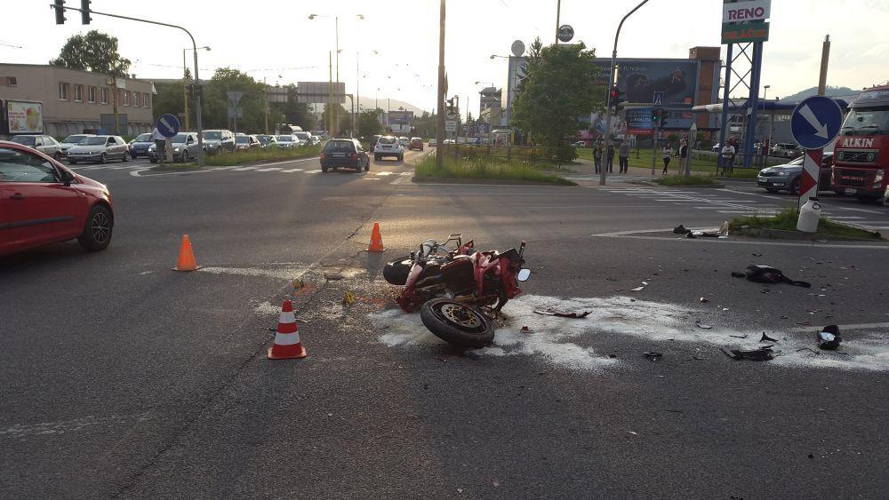 Vážna dopravná nehoda na križovatke Košická 15.5.2015, foto 1