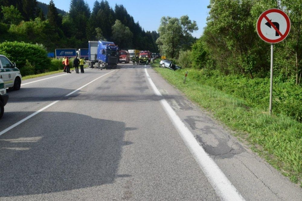 Dopravná nehoda Kysucký Lieskovec 06/2015, foto 2