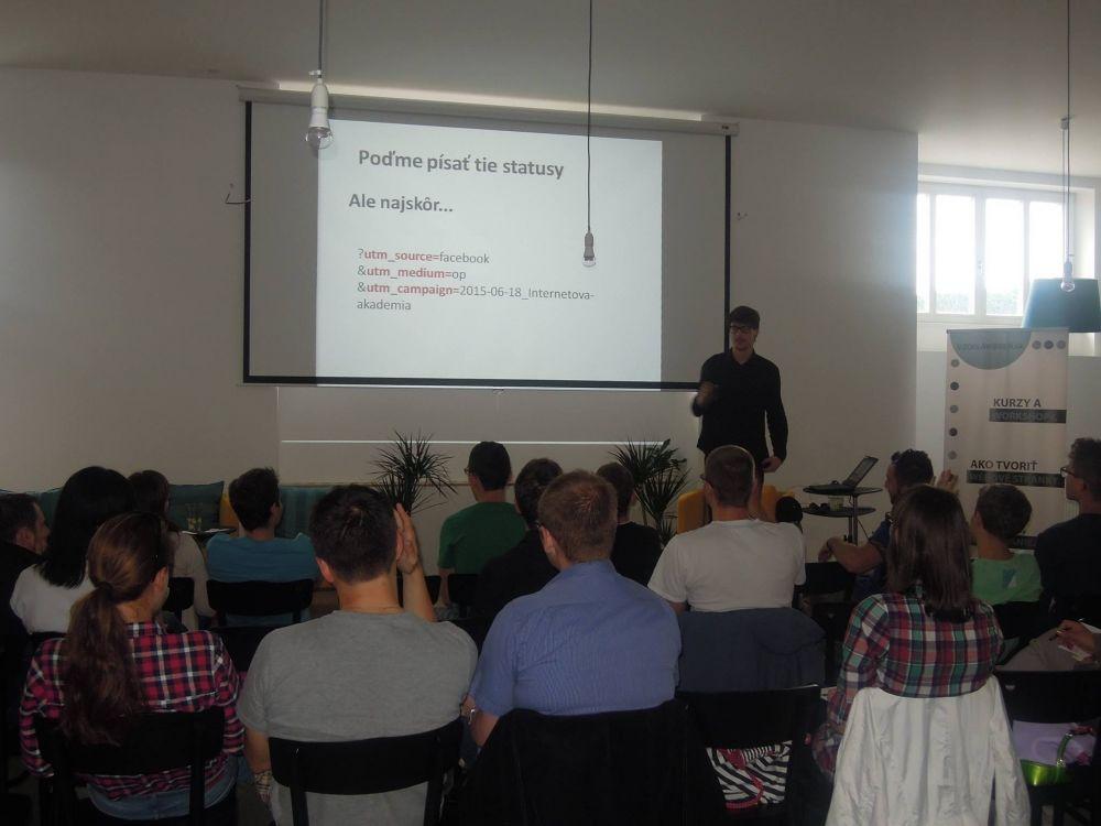 Prednáška s názvom Ako (sa) predávať na Facebooku, foto 2
