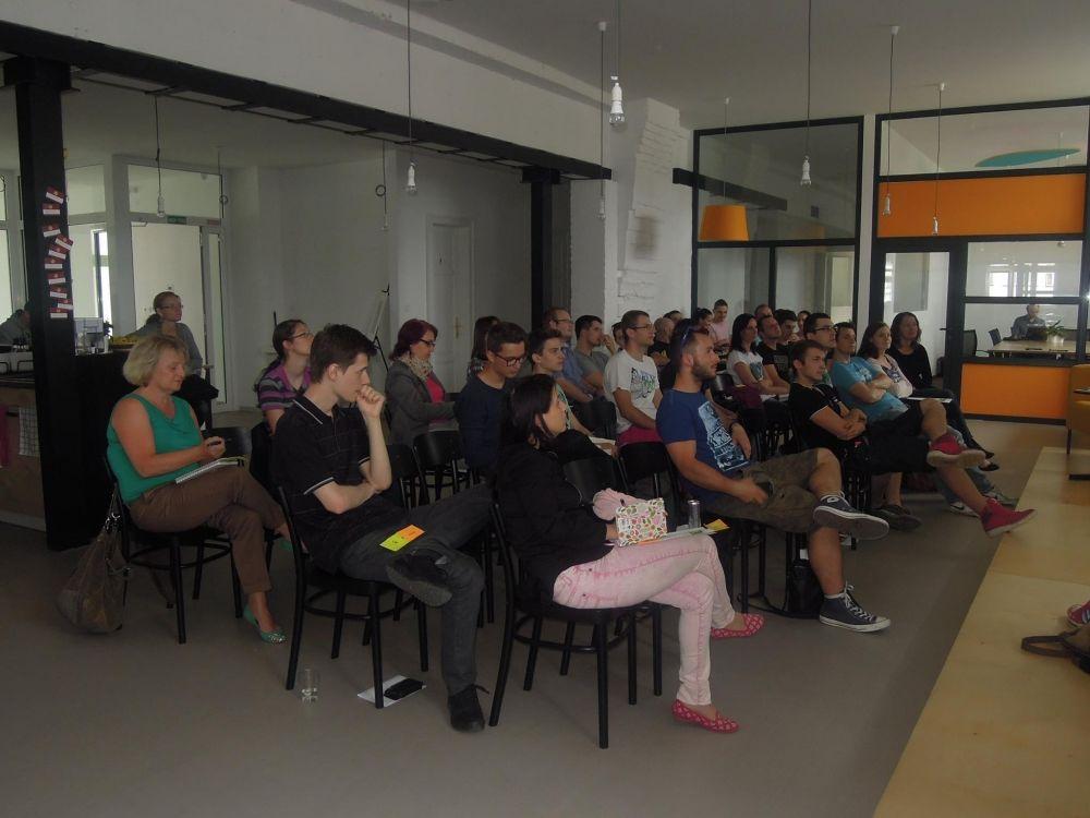 Prednáška s názvom Ako (sa) predávať na Facebooku, foto 4