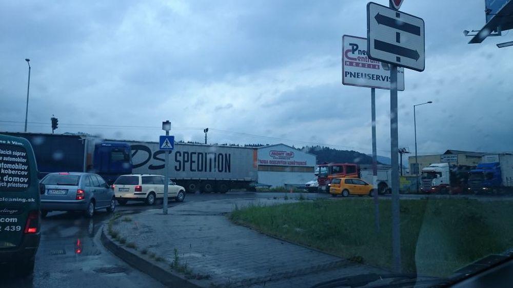 Dopravná nehoda  a kolóny na Kragujevskej 23.6.2015, foto 1