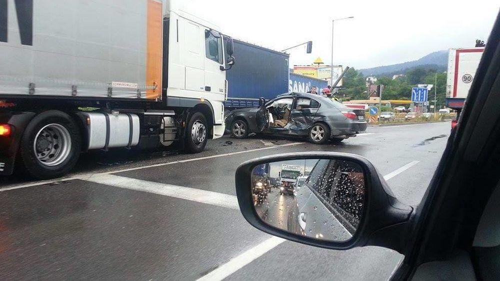 Dopravná nehoda  a kolóny na Kragujevskej 23.6.2015, foto 2