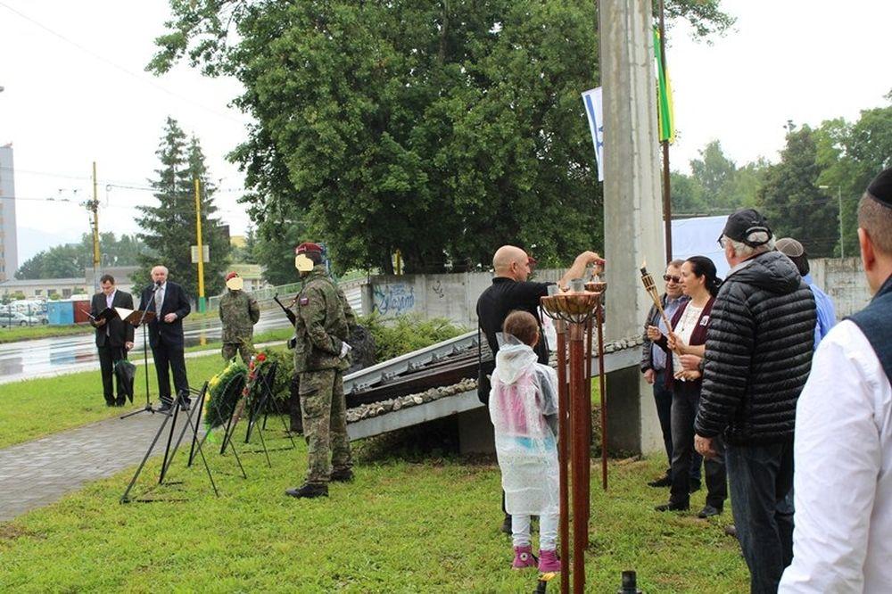 V Žiline si opäť uctili obete holokaustu , foto 2