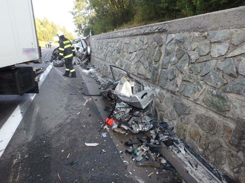 Tragická dopravná nehoda pri Čadci 7.8.2015, foto 6