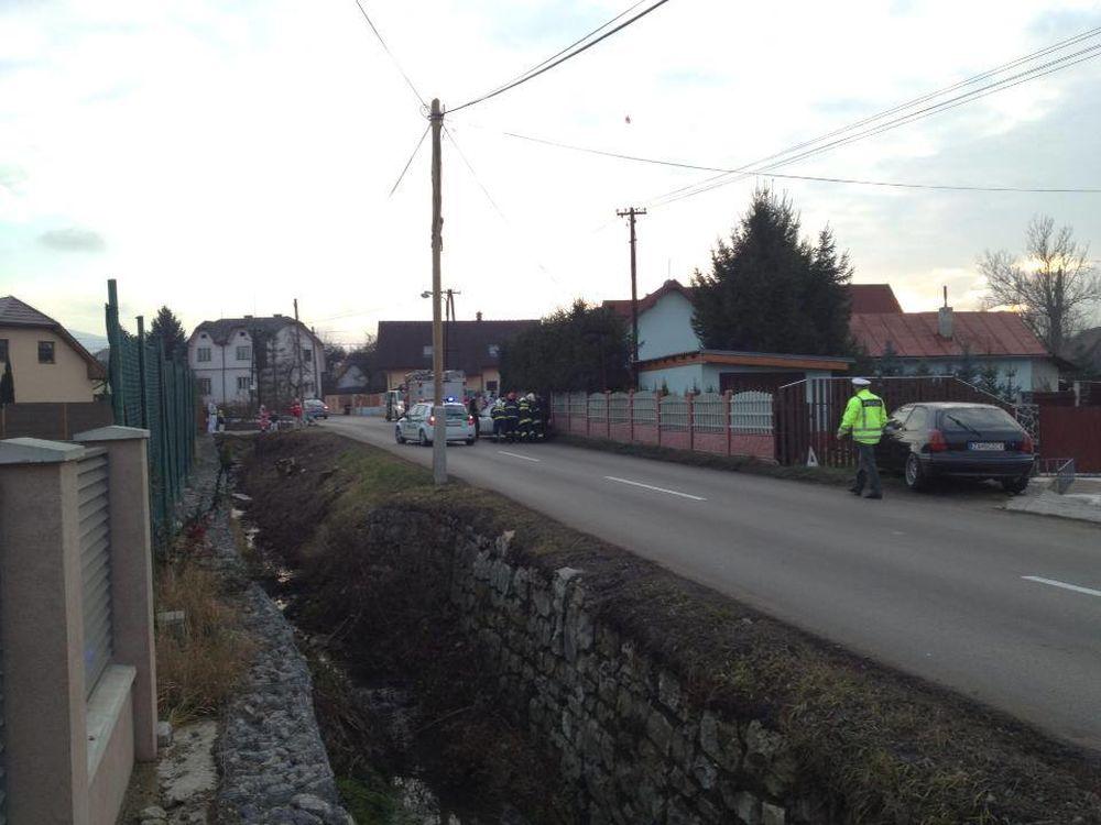 V Trnovskom esíčku skončilo v potoku už viac ako 10 áut, foto 5