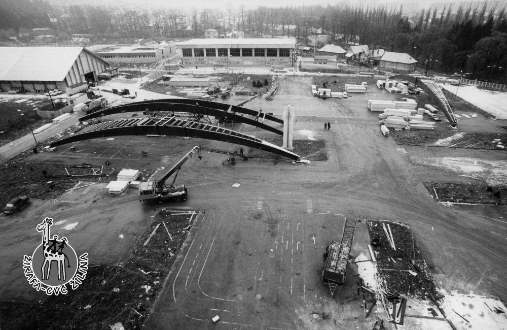 33 fotiek z výstavby športovej haly na Bôriku, foto 21