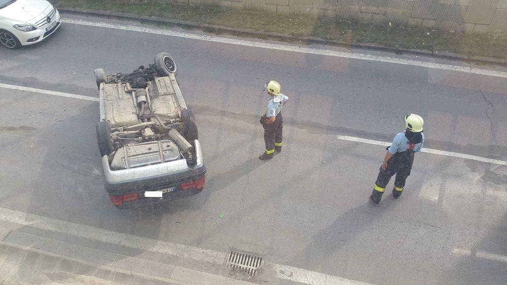 Hrozivo vyzerajúca nehoda pri Rondli, ďalšia na Hollého ulici , foto 8
