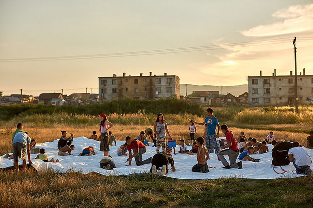 Deti v osade Sečovce snívali s umelcami o lepšom domove, foto 1