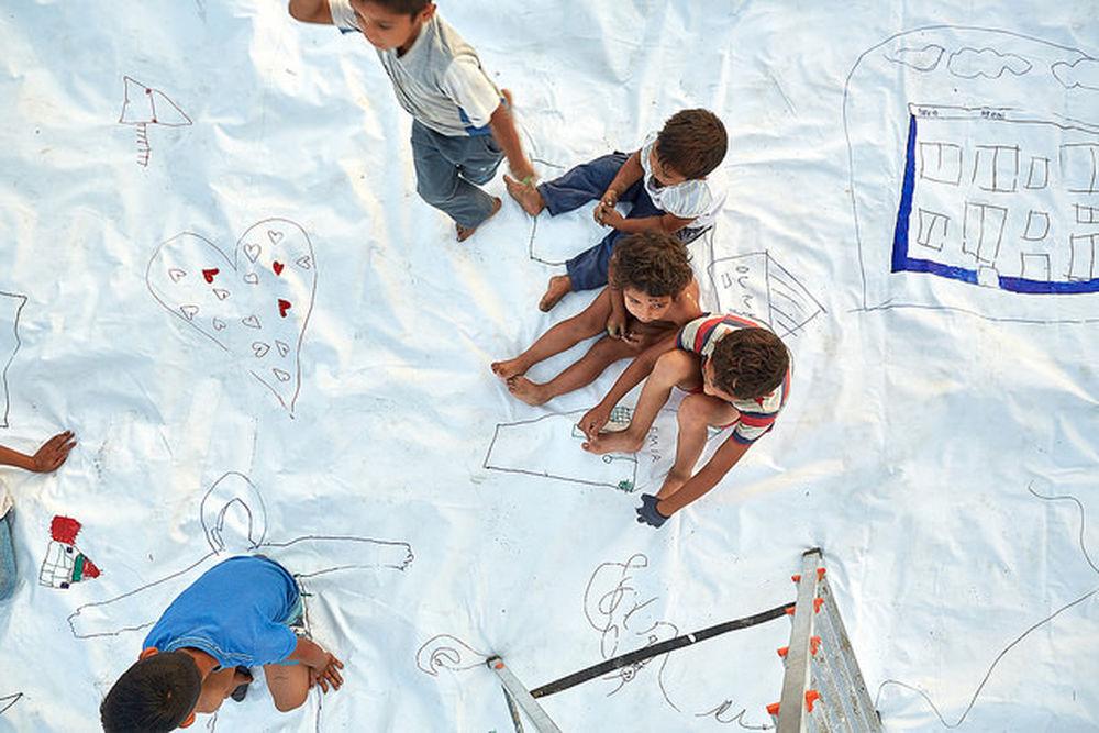 Deti v osade Sečovce snívali s umelcami o lepšom domove, foto 6
