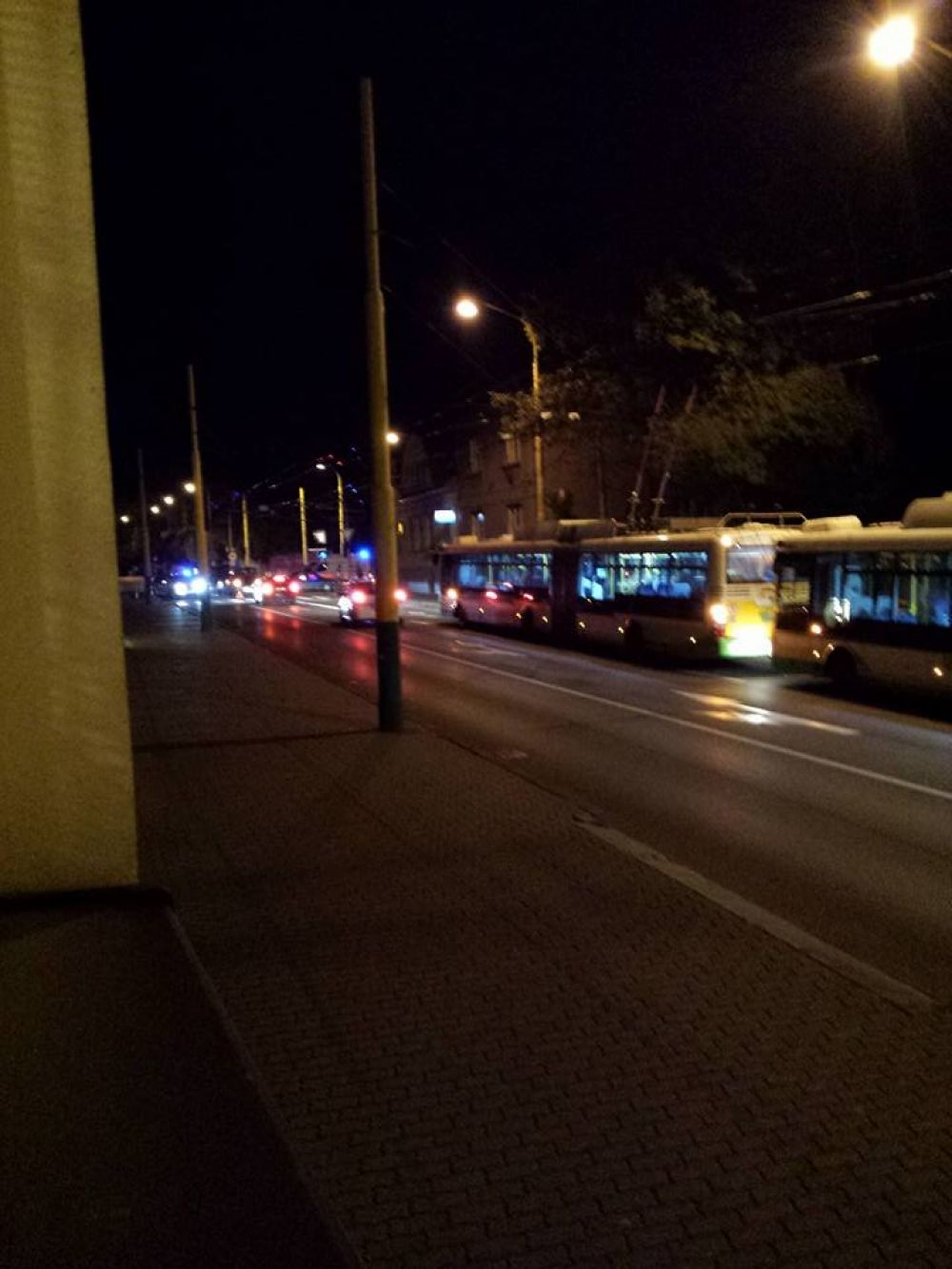 Dopravná nehoda cyklistu a osobného auta na Spanyolovej ulici 24.9.2015, foto 1