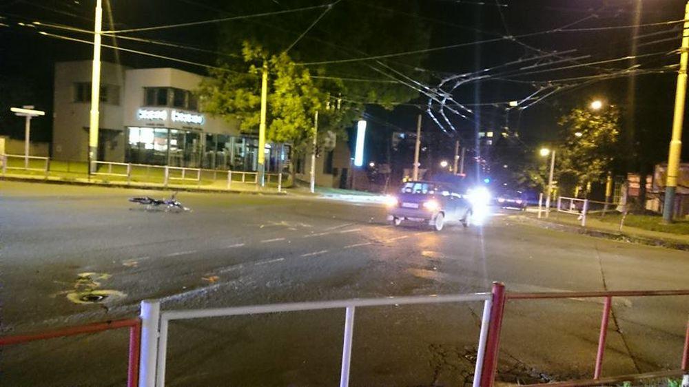 Dopravná nehoda cyklistu a osobného auta na Spanyolovej ulici 24.9.2015, foto 2