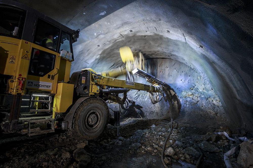 """Stavbári prerazili druhú tunelovú rúru tunela """"Daniela"""", foto 3"""