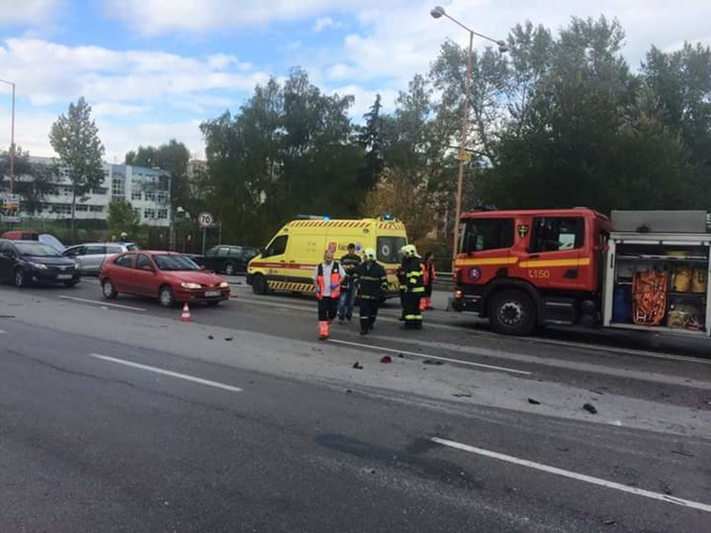 Dopravná nehoda na Nemocničnej - 16.10.2015, foto 1