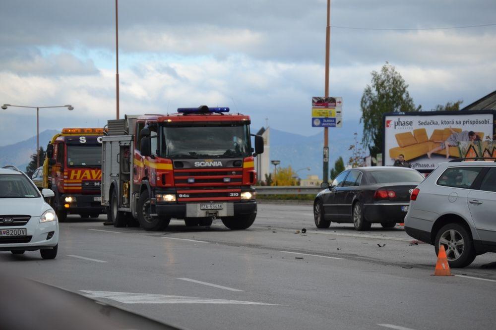 Dopravná nehoda na Nemocničnej - 16.10.2015, foto 3