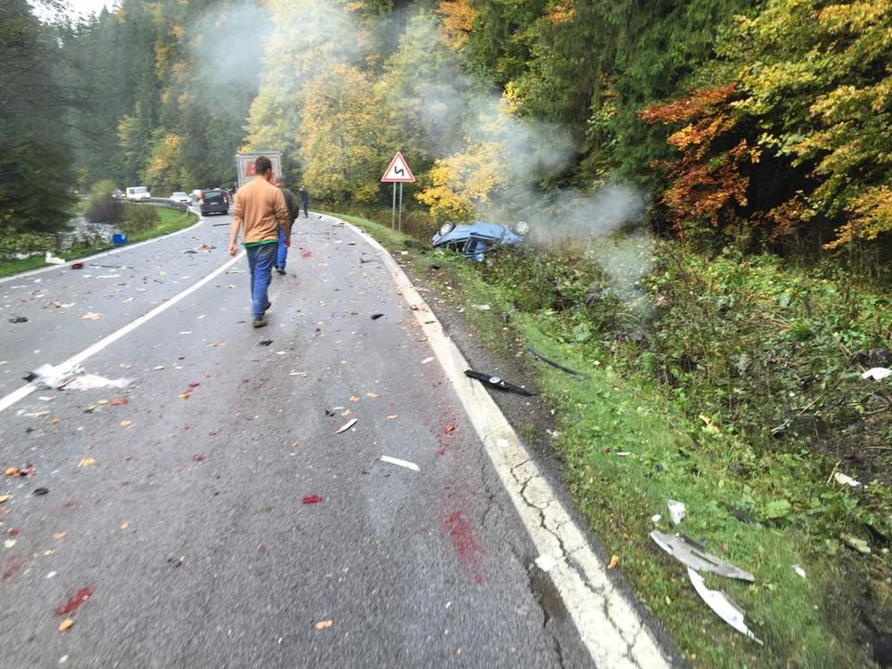 Aktuálne: Pri Ružomberku sa zrazil kamión s 2 osobnými autami , foto 2