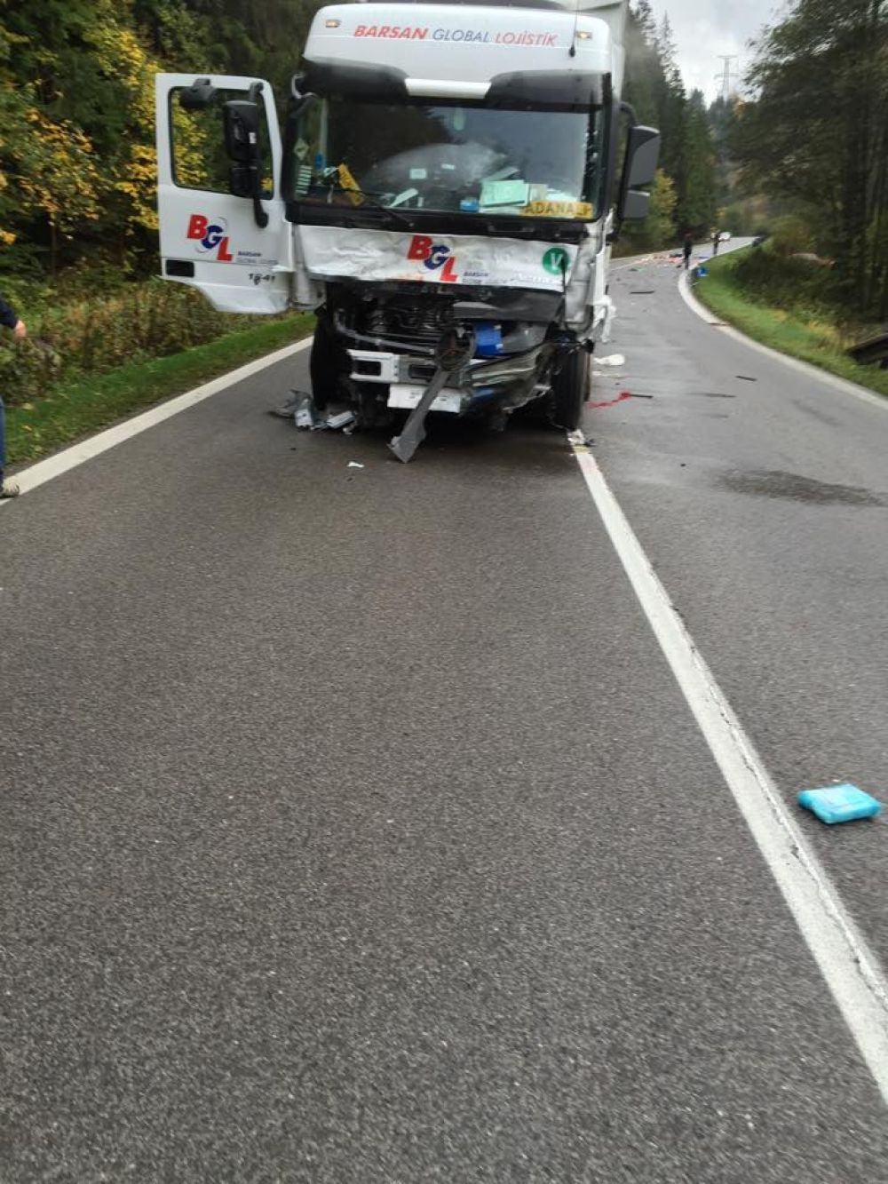 Aktuálne: Pri Ružomberku sa zrazil kamión s 2 osobnými autami , foto 3
