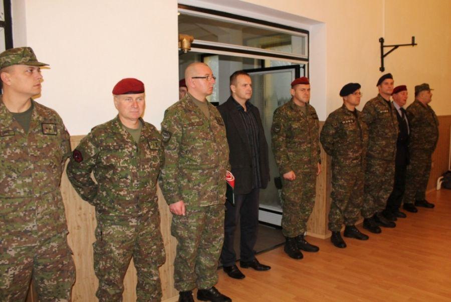 V kasárňach sa dnes lúčili s 35 vojakmi, ktorí odchádzajú do Afganistanu, foto 2