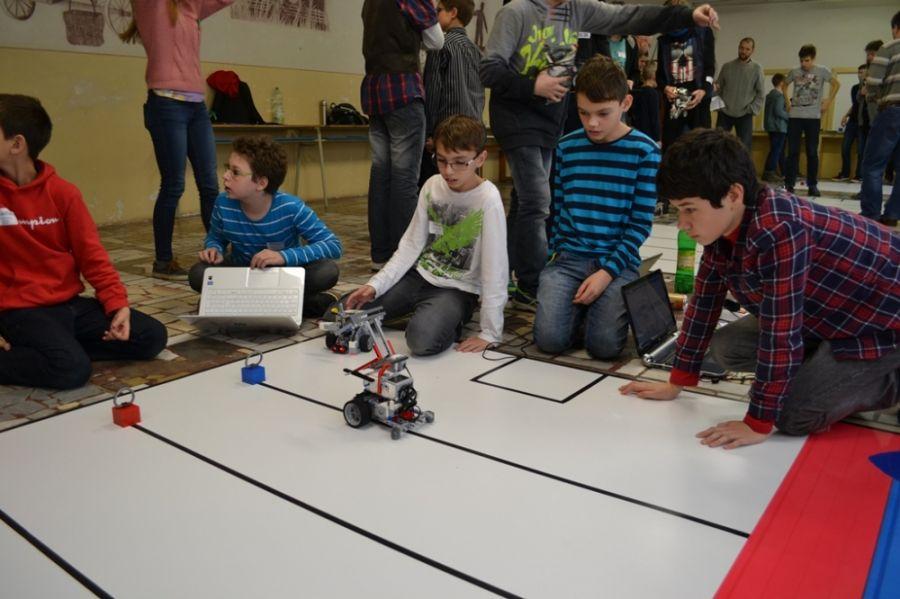 Mladé talenty robotiky z celého Slovenska sa stretli v Martine , foto 1