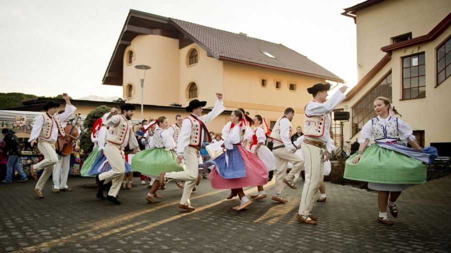 Zabíjačkové slávnosti 2015 Dolný Hričov, foto 3