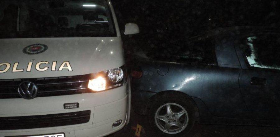 Podnapitý mladík z Čadce spôsobil 2 nehody a ušiel, foto 1