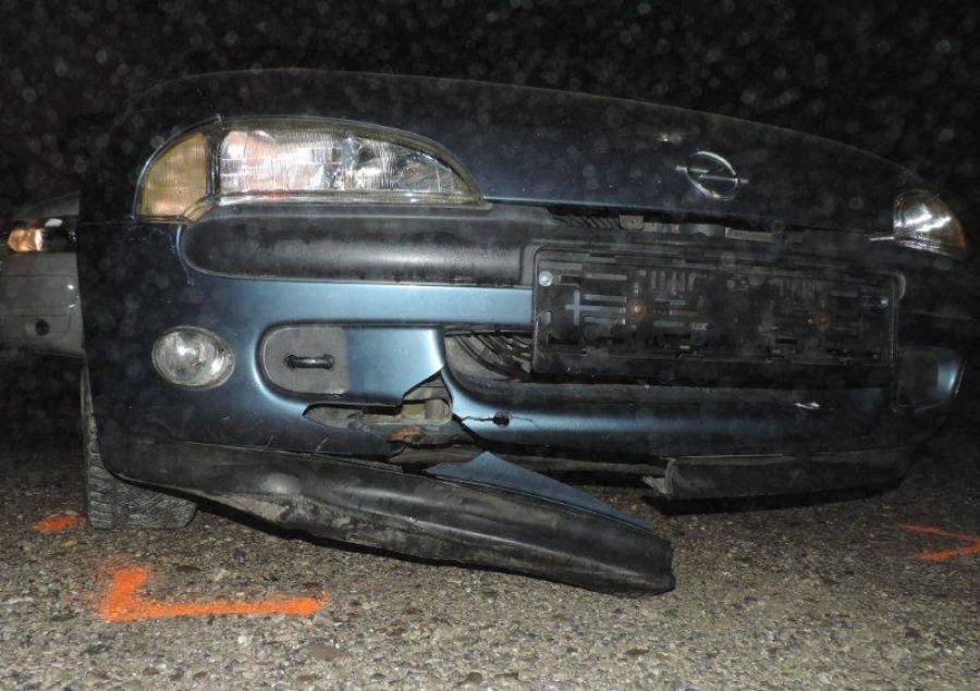 Podnapitý mladík z Čadce spôsobil 2 nehody a ušiel, foto 4
