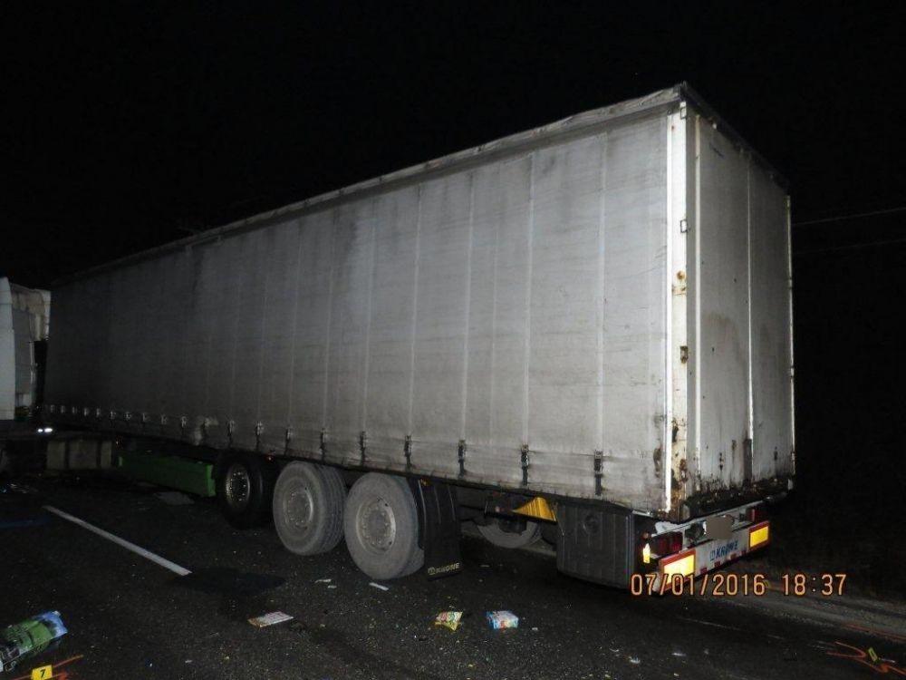 Tragická dopravná nehoda pri Makove - 7.1.2016, foto 1