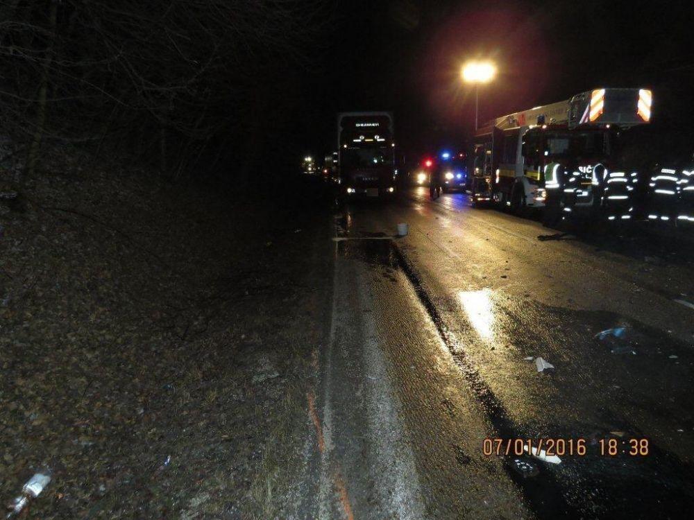 Tragická dopravná nehoda pri Makove - 7.1.2016, foto 5