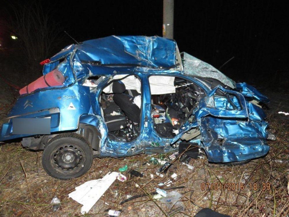Tragická dopravná nehoda pri Makove - 7.1.2016, foto 9