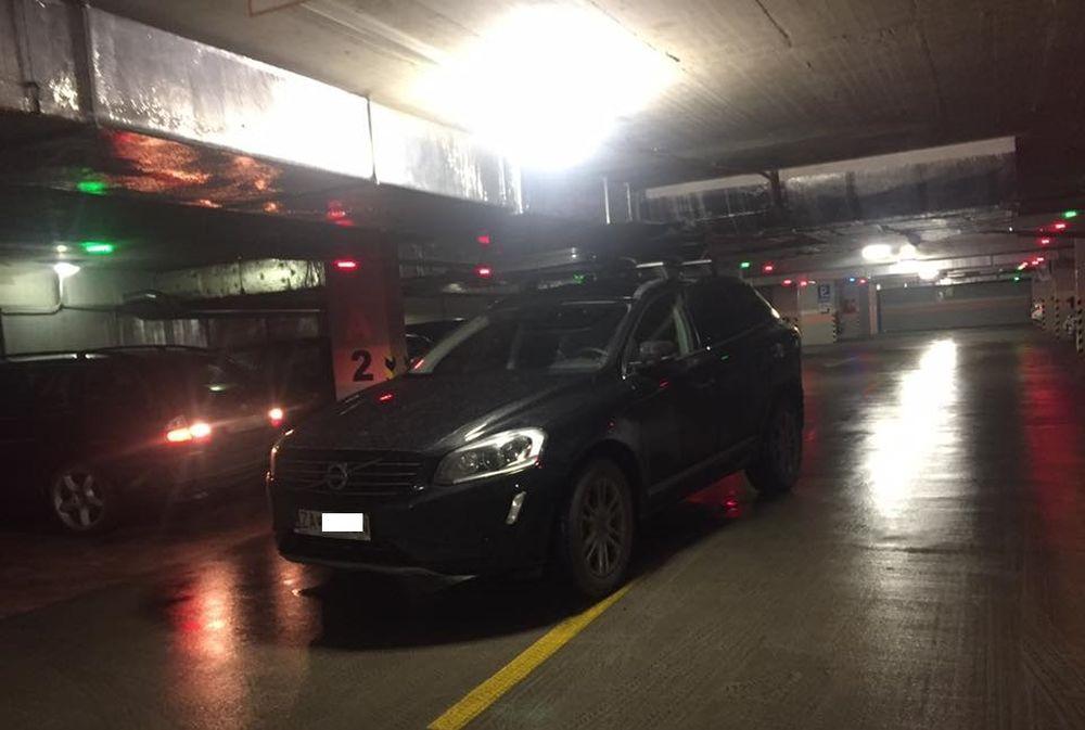 Zakliesnené autá v podzemných parkoviskách, foto 1