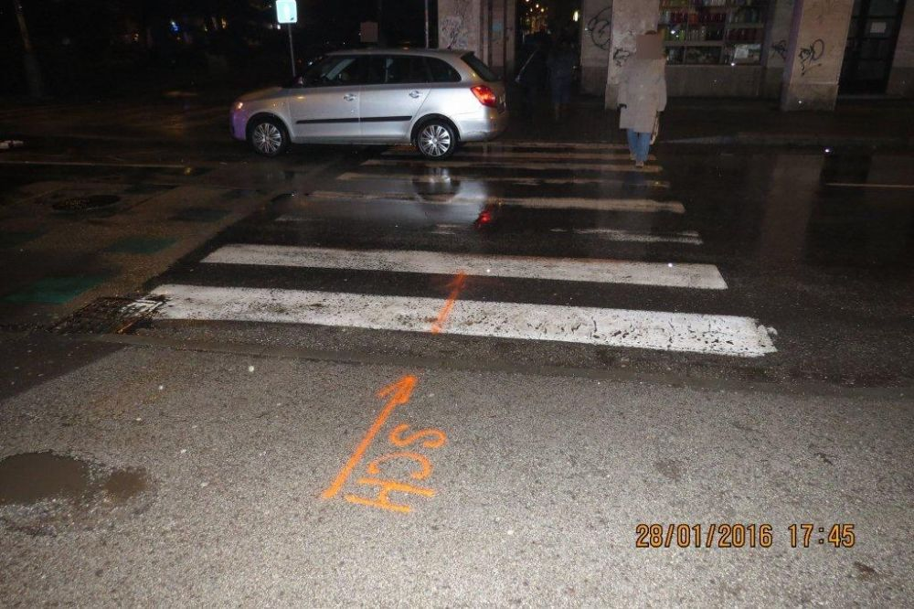 Vodič zrazil chodkyňu na križovatke ulíc Fándlyho a A.Bernoláka, foto 3