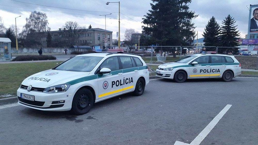 Na cestách prebieha spoločný výkon služby policajtov zo Žiliny a Čadce, foto 1