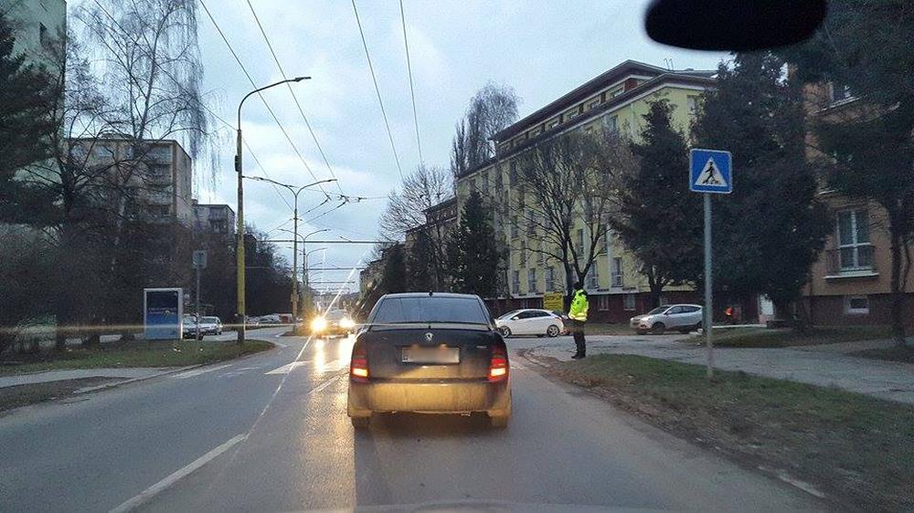Na cestách prebieha spoločný výkon služby policajtov zo Žiliny a Čadce, foto 3