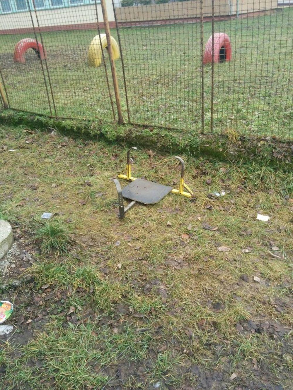 Poliak si demontoval sám papuču na ulici Hlinská - 16.2.2016, foto 1