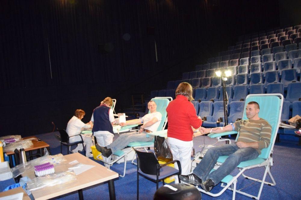 Valentínskej kvapky krvi v ZOC Max sa zúčastnilo 65 darcov, foto 1