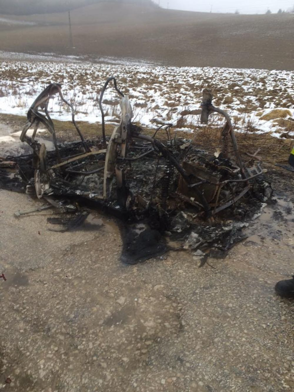 Zhorené auto, po ktorom pátrala polícia, foto 2