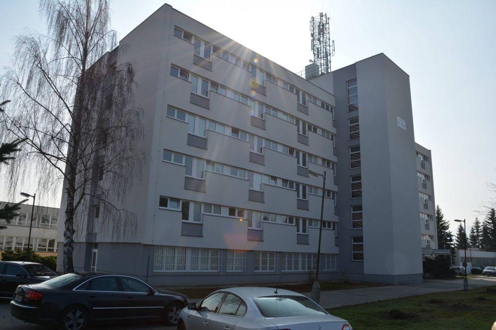 Budova internátov športového gymnázia po zateplení a výmene okien, foto 2