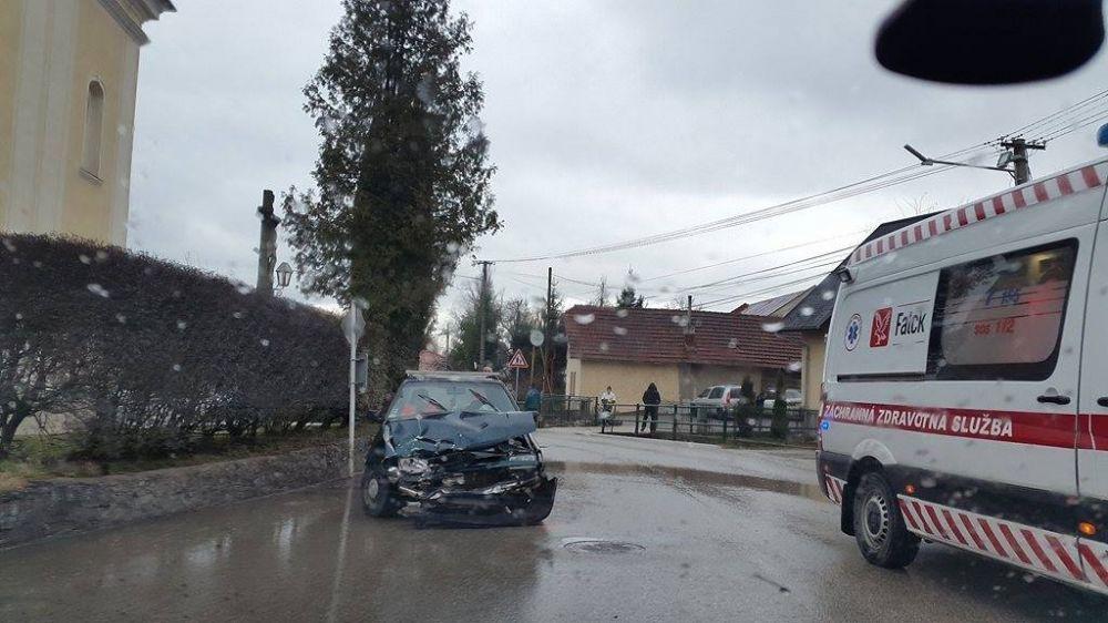 Nehoda Višňové zrážka dvoch automobilov 12.3.2016, foto 2