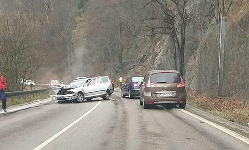 Dopravná nehoda, Strečno, 26.3.2016, foto 2