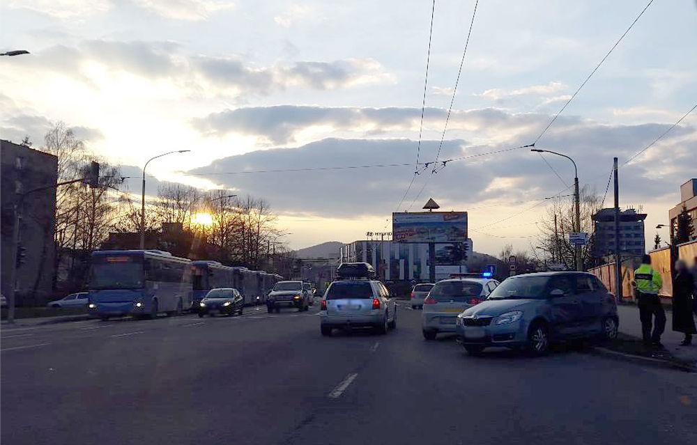 Nehoda na Košickej ulici Žilina 28.3.2016, foto 3