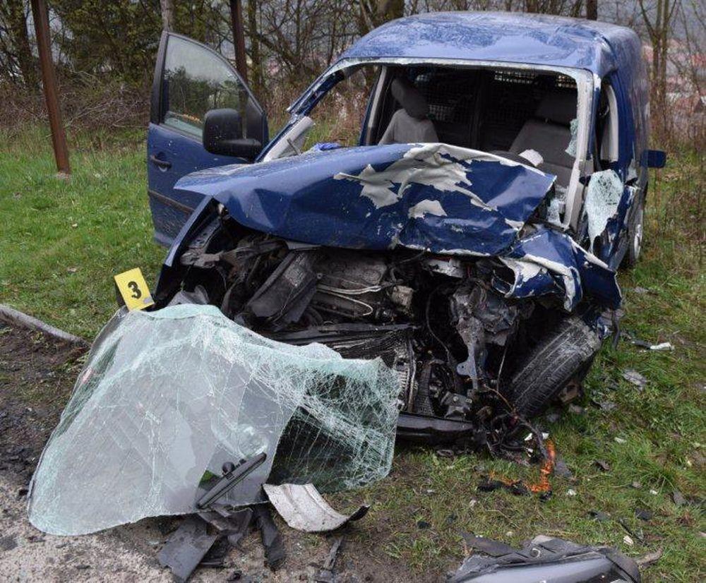 Smrteľná dopravná nehoda - Krásno nad Kysucou 12.4.2016, foto 4