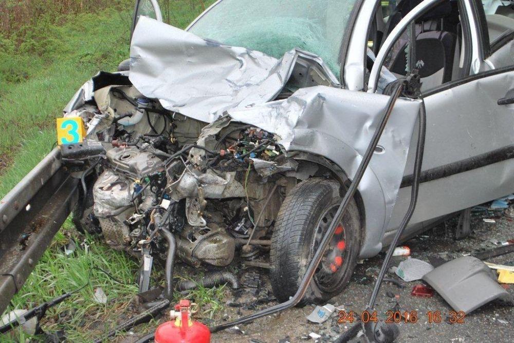 Tragická dopravná nehoda 24.4.2016, foto 2