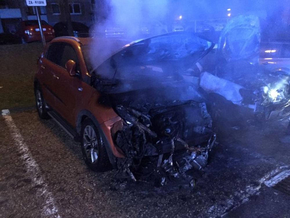 Požiar osobného auta na Hájiku - 28.4.2016 fotografie od majiteľa, foto 9