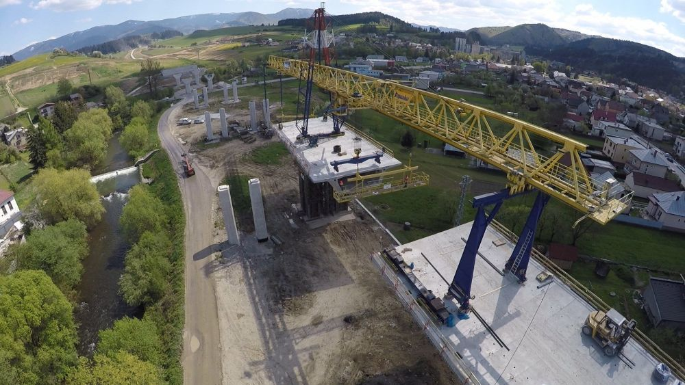 Aktuálne zábery zo stavby diaľnice Žilina - Lietavská Lúčka, foto 1
