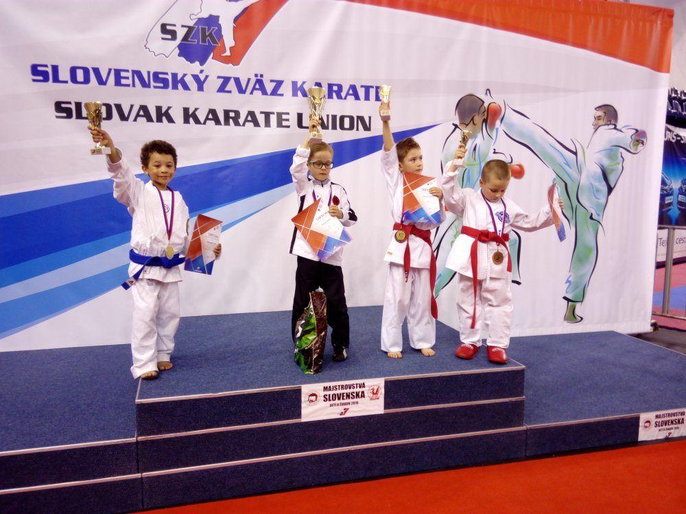 9 medailí z majstrovstiev Slovenska v Karate detí putuje do Žiliny, foto 2